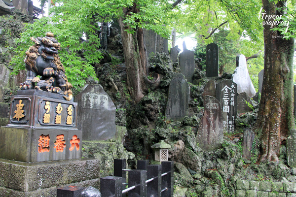 Graveyards Naritasan Temple