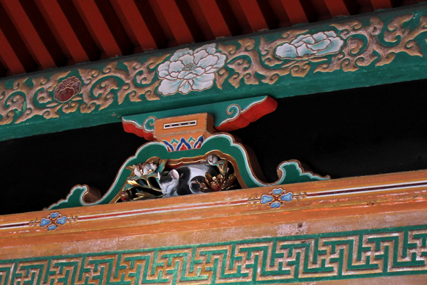 the sleeping cat at Nikko Toshogu Shinto Shrine