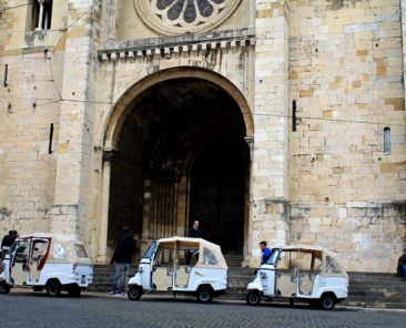 Tuctucs at Lisbon's Cathedral